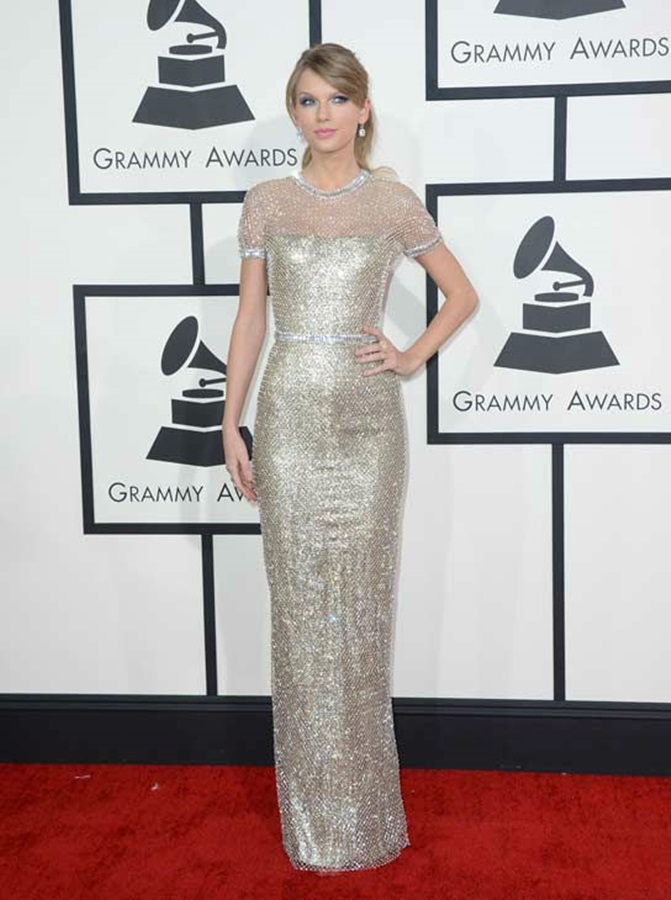 140126-galleryimg-otrc-AP-grammy-awards-grammys-red-carpet-arrivals-taylor-swift